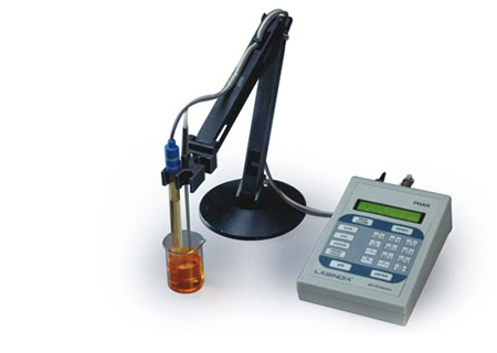 pH and Conductivity Meter